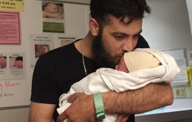Refugiados sirios en Canadá nombraron a su bebé Justin Trudeau