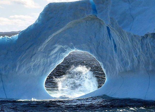 Fotógrafos de todo el mundo están viajando a Newfoundland, Canadá para fotografiar este iceberg con forma única